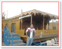 Kashmir Houseboat Tour Packages